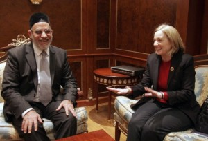 US-Ambassador-to-Egypt-Anne-Peterson-meets-with-leader-of-the-Egyptian-Muslim-Brotherhood-Mohammed-Badia-620x423